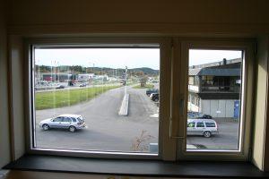 Utsikt fra hjørnekontor Knivøsveien 4-6